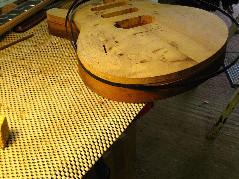 Fabrication d'une guitare Electrique : Terminée le 26/12/2014 - Page 2 164