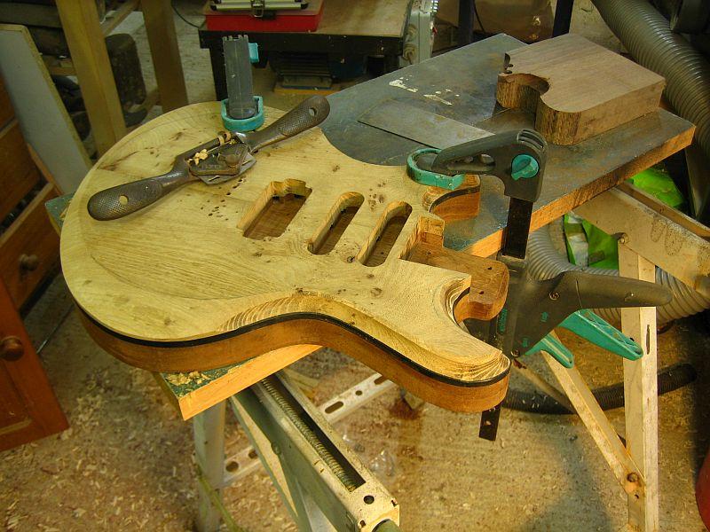 Fabrication d'une guitare Electrique : Terminée le 26/12/2014 - Page 2 171