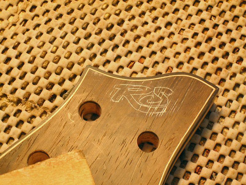 Fabrication d'une guitare Electrique : Terminée le 26/12/2014 - Page 3 183