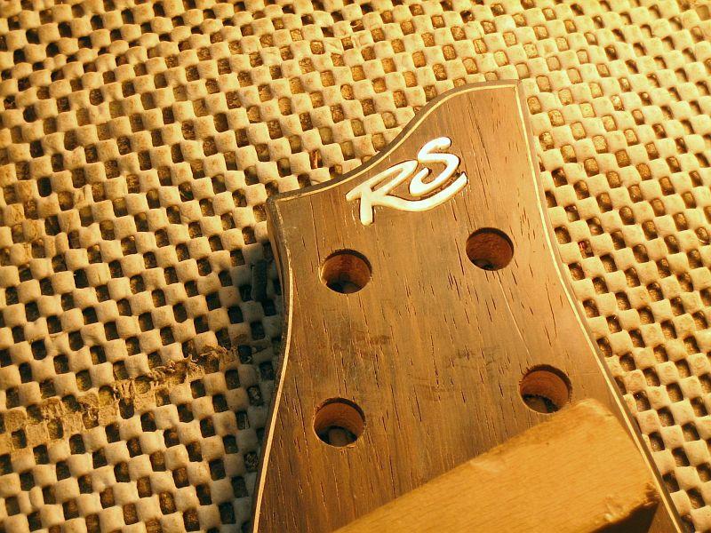 Fabrication d'une guitare Electrique : Terminée le 26/12/2014 - Page 3 185