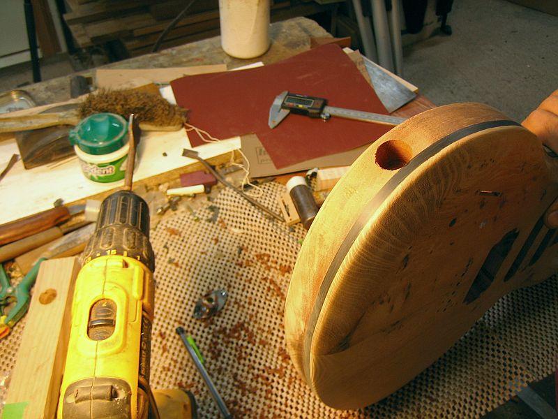 Fabrication d'une guitare Electrique : Terminée le 26/12/2014 - Page 3 187
