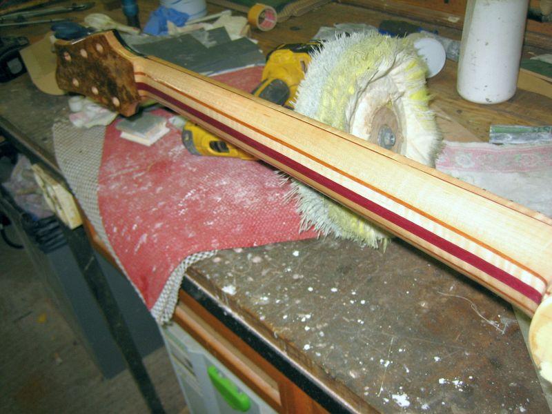 Fabrication d'une guitare Electrique : Terminée le 26/12/2014 - Page 4 200
