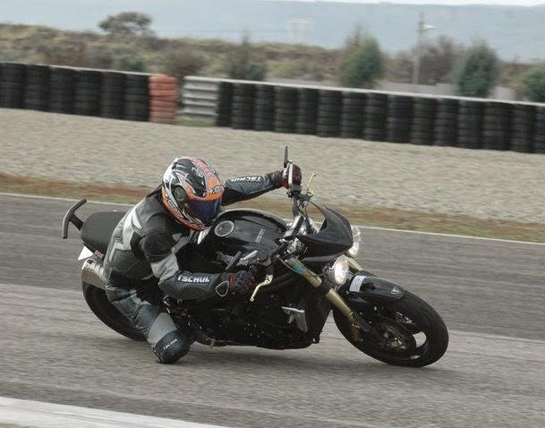 avis motards; z750 =>speed triple=>avis avant achat en vue ^^ S3_MORES